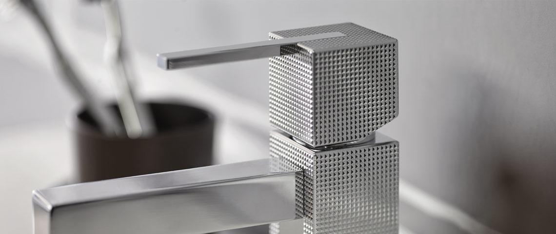 (image) détail du guillochage du mitigeur lavabo Myriad