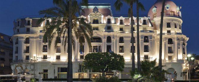 (image) Façade de l'hôtel Negresco à Nice