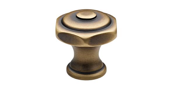 (image) téton en laiton avec finition bronze mat vernis mat