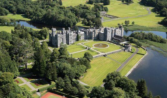 (image) Façade du Ashford Castle