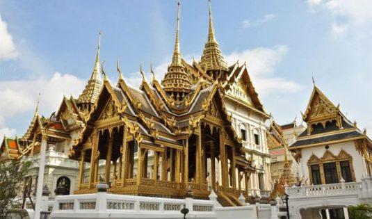 (image) Façade du Palais Royal de Bangkok